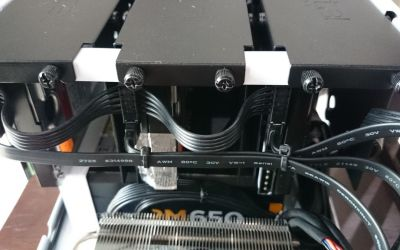 Managing cables for HDDs requires some creativity